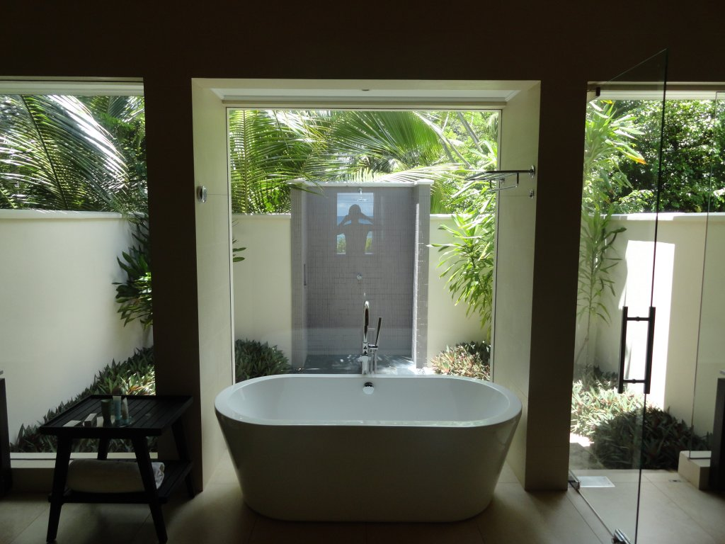 exotic bathroom designs with nice glass