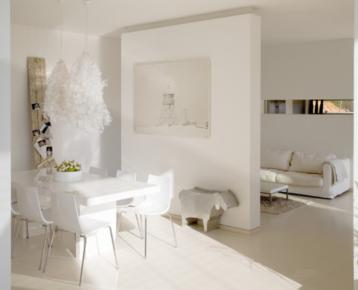 minimalist house interior white