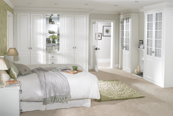 White bedroom design for luxury rooms