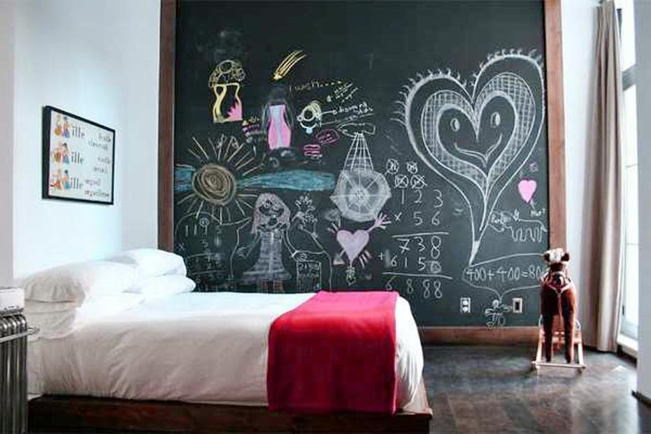 Decorative Chalkboards at bedroom