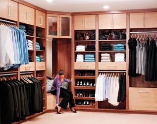 Corner walk in closets