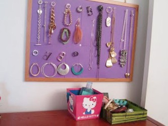 Simple bracelet storage idea