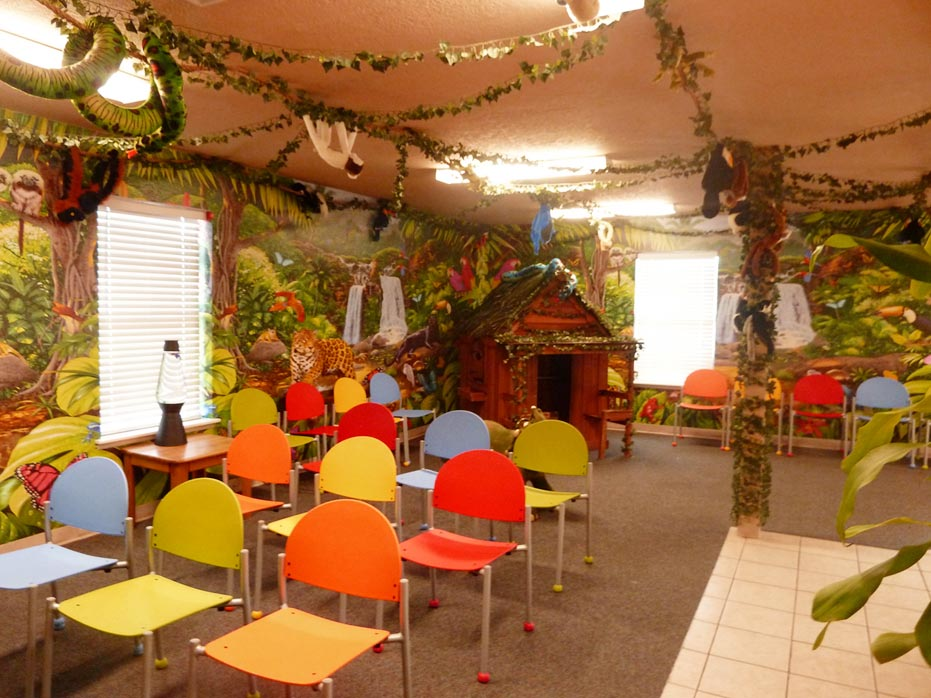 awesome-pediatric-waiting-room