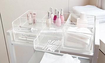 Large clear makeup storage idea