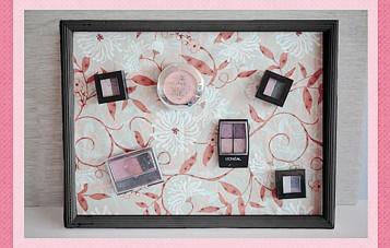 Magnetic makeup board storage idea