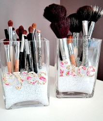 Makeup brush organizers idea