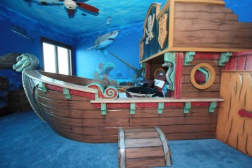 Pirate bedroom ideas blue wall