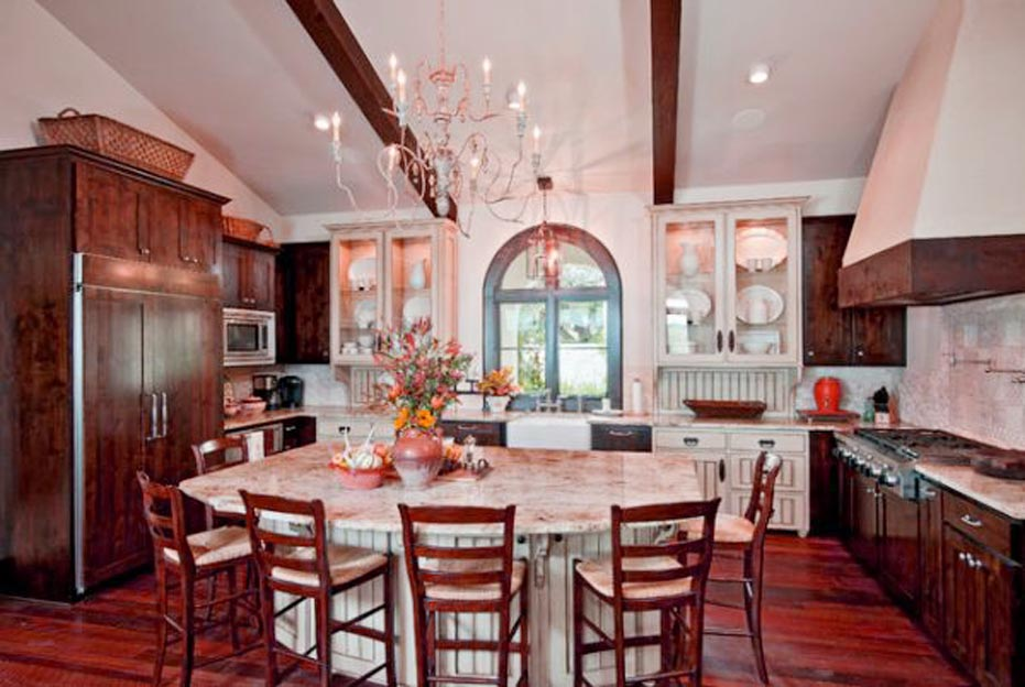 traditional kitchen with table