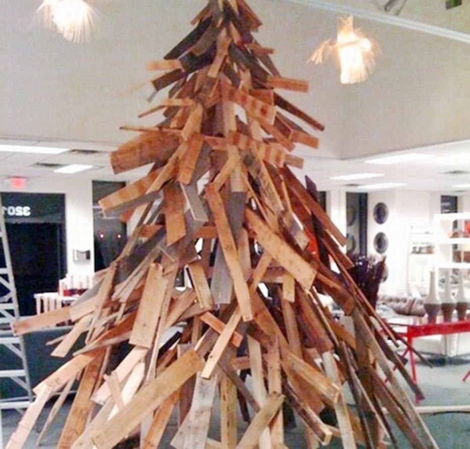 Wood Pallet Christmas Tree Project