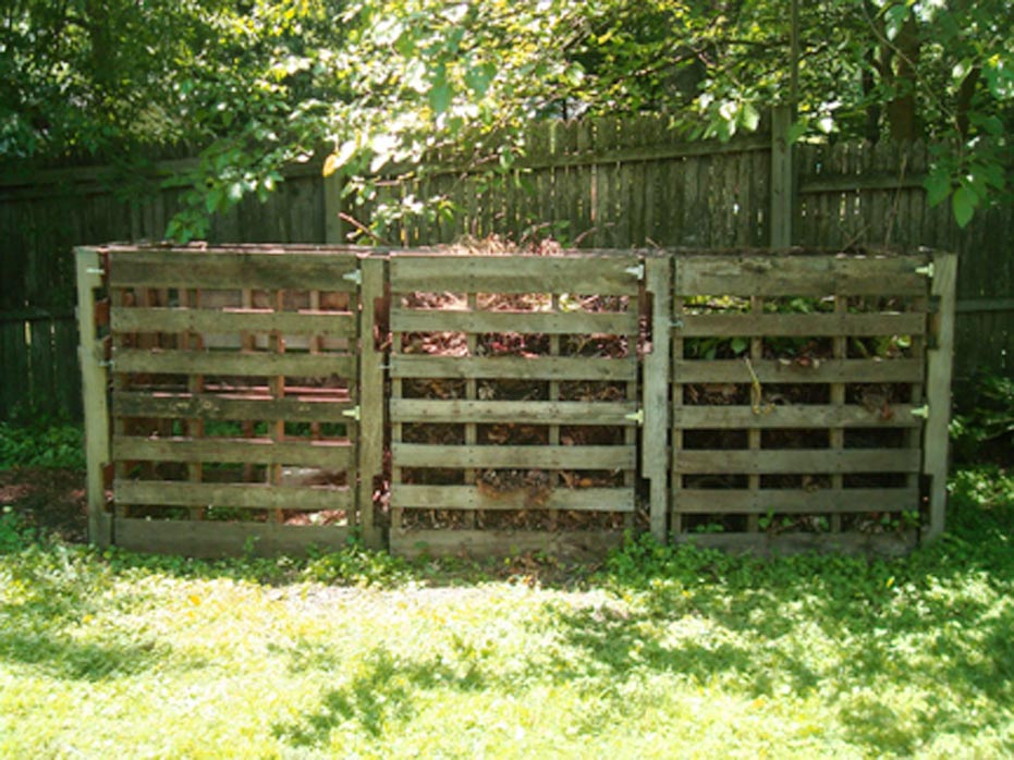 Wood Pallet Compost Bins Project