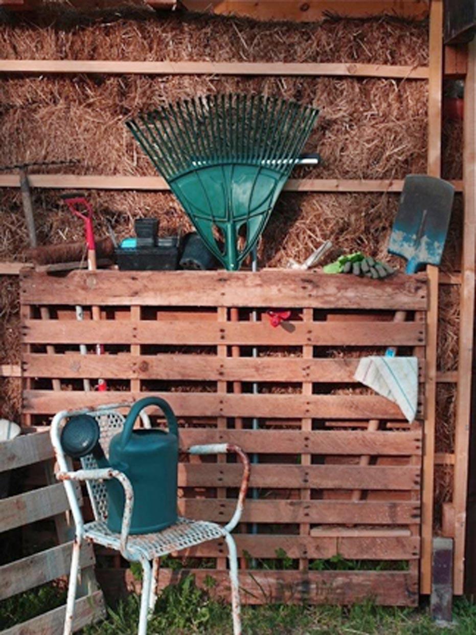 Wood Pallet Garden Tool Organizer Project