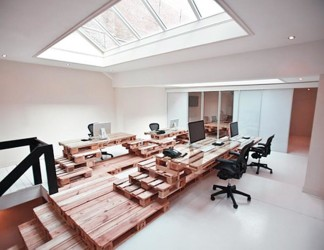 Wood pallet office furniture project