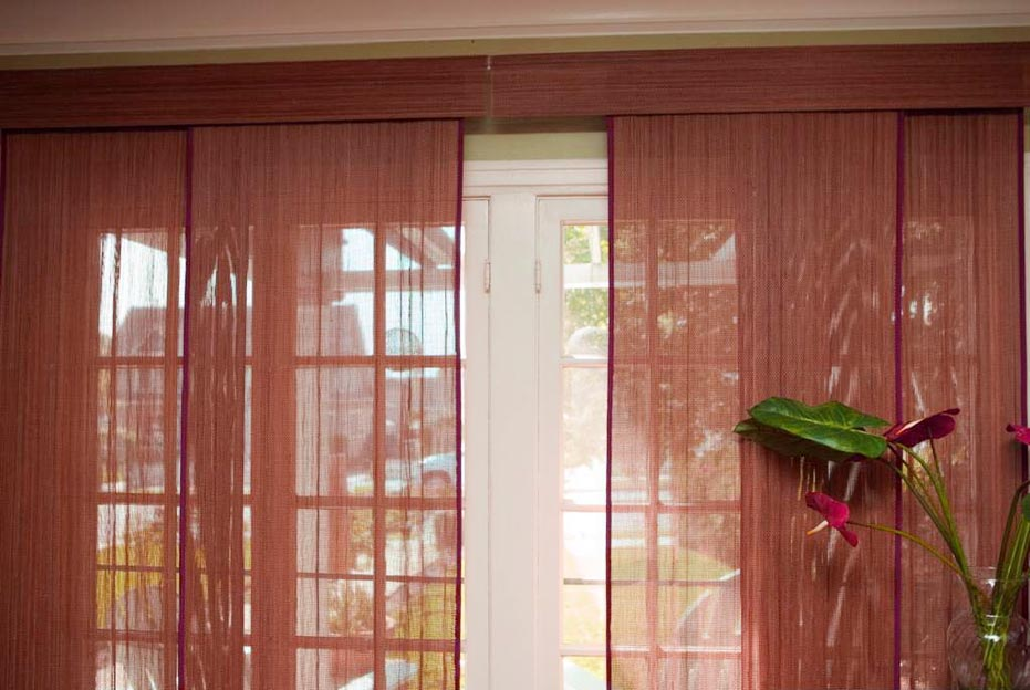 Sliding patio doors with built in blinds 6 spotlats for Built in sliding doors