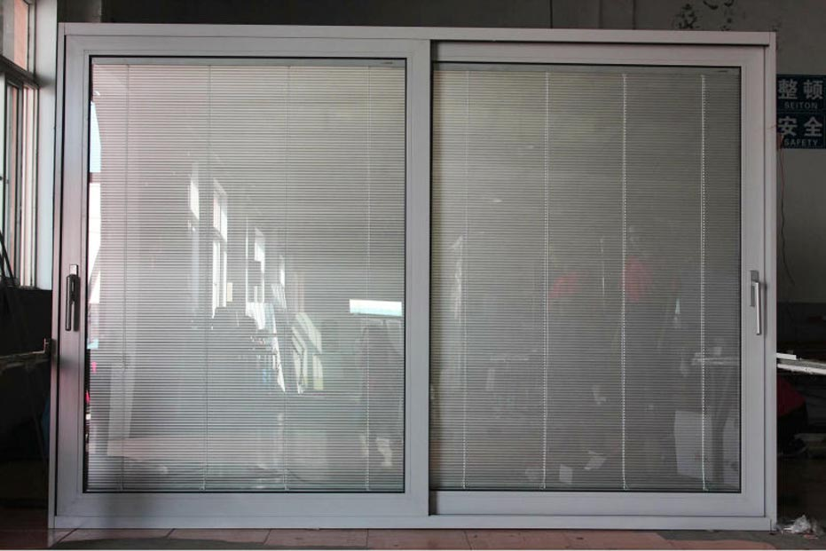 Sliding doors with blinds spotlats for Built in sliding doors