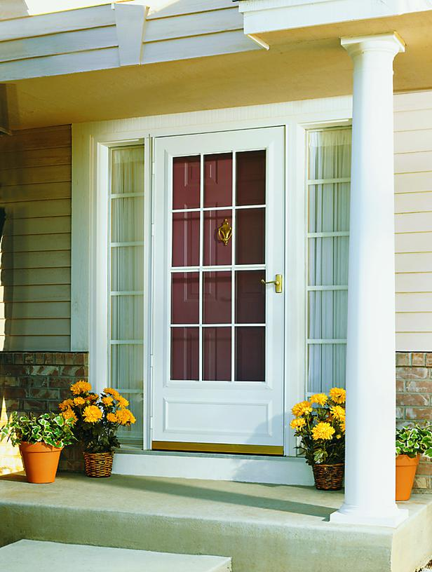 Ci Pella Self Storing Storm Door S3x4 Spotlats