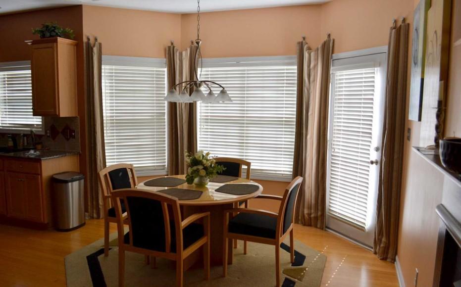 Window With Octagon Cream Carpet Rug Spotlats