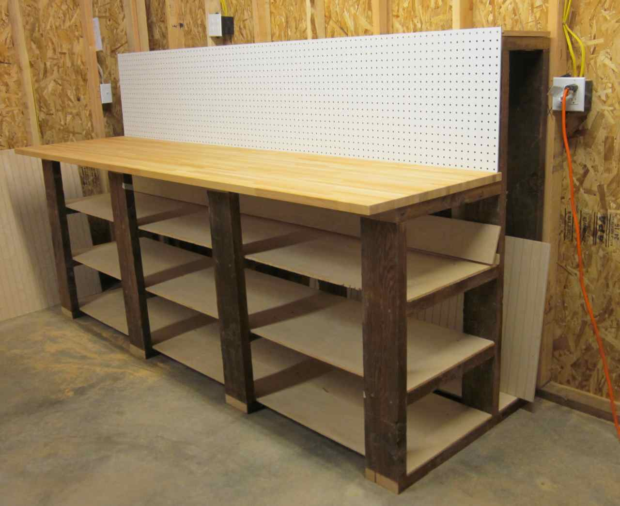 Wood Workbenches Spotlats