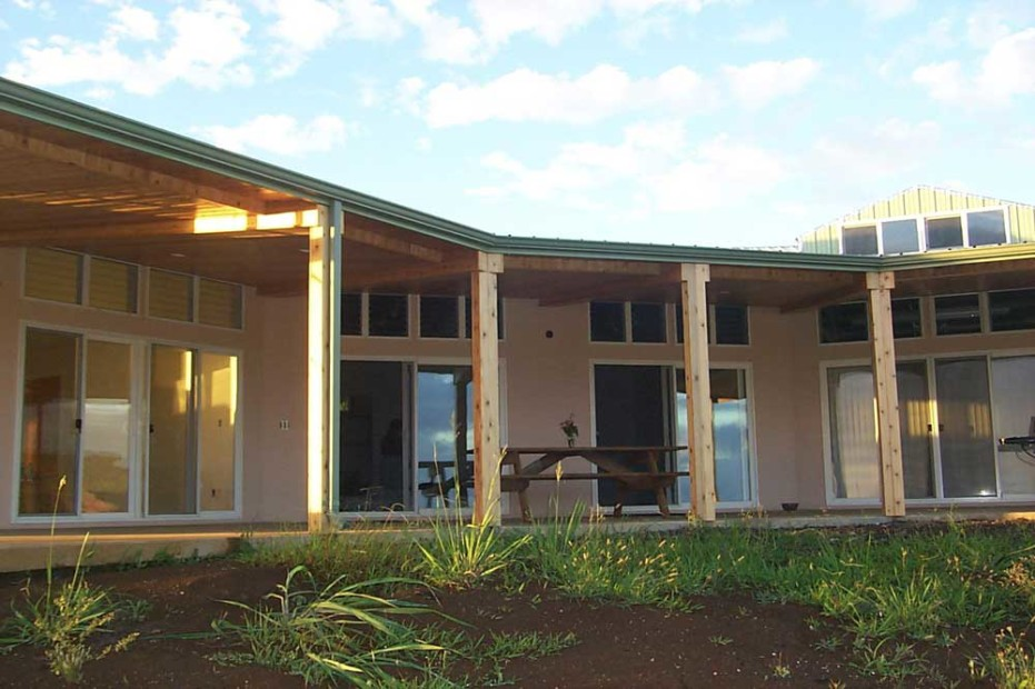 Maui hi pole barn house spotlats for Pole houses designs