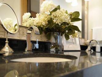 Charming Master Bathroom Vanity Decor