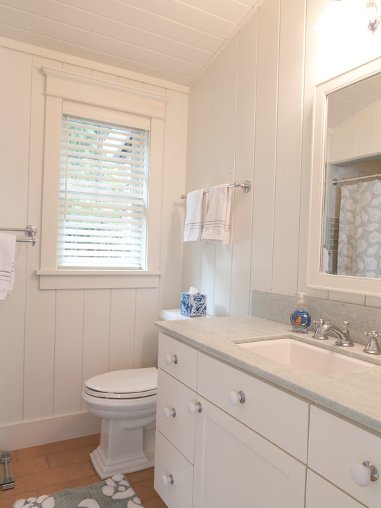 How to bring in beach atmosphere to small cottage bathroom Spotlats
