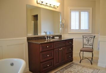 Wainscoting Bathroom Design
