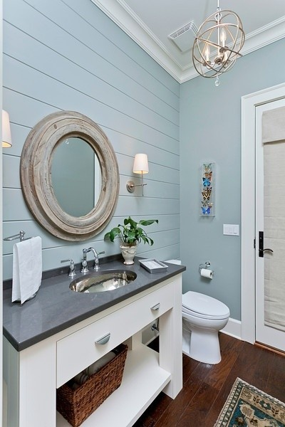 Cottage bathroom vanity spotlats for Small bathroom design cottage