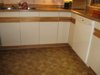 How to turn white laminate kitchen cabinet with black ...