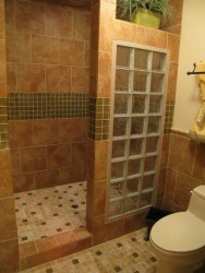 How To Decorate Walk In Shower In Small Bathroom