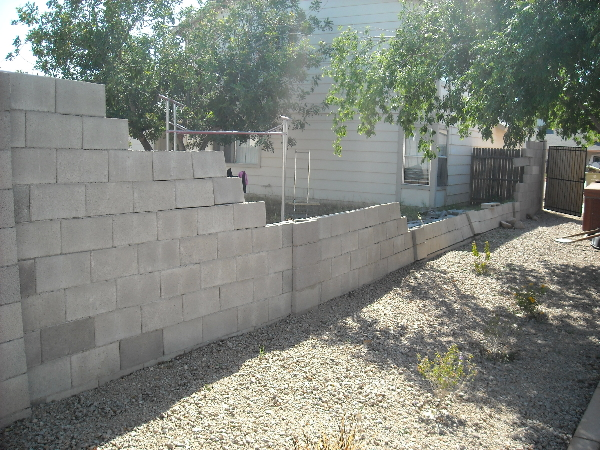 Top 28 affordable retaining wall inexpensive hillside for Cheap garden wall ideas