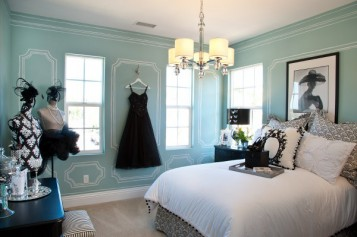 How To Decorate Bedroom With Tiffany Blue